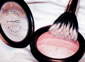blush-luxury-mac-make-up-pink-Favim.com-453259