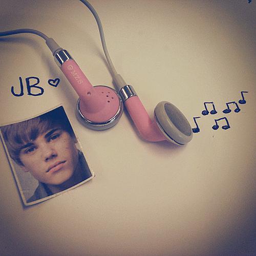 justin-bieber-love-music-Favim.com-325105