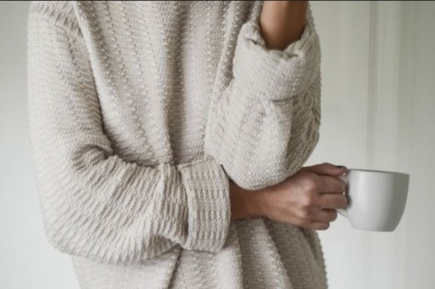 klq9zf-l-610x610-sweater-cozy-oversized+sweater-tumblr-white-comfy-comfy+outfits